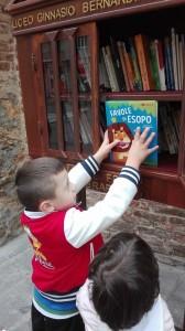 giasone-alla-little-free-library